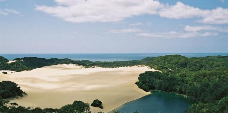 Sunrover Expeditions: 1 day Fraser Island Tour - departs Brisbane